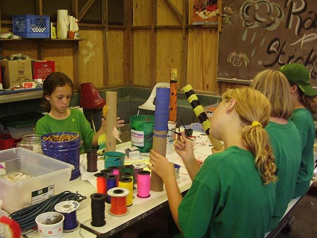 campers decorating crafts